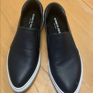Kenneth Cole ladies slip on shoes size 9